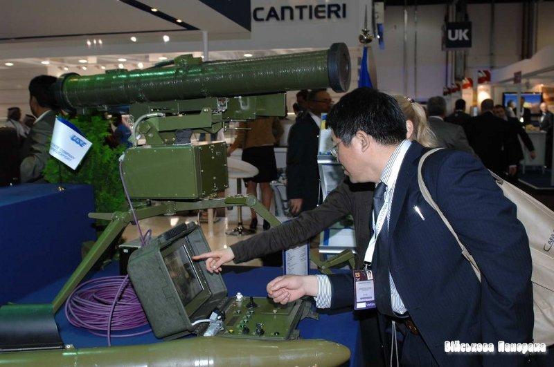 У 2011 році на озброєння ЗС України прийнято 10 нових зразків військової техніки