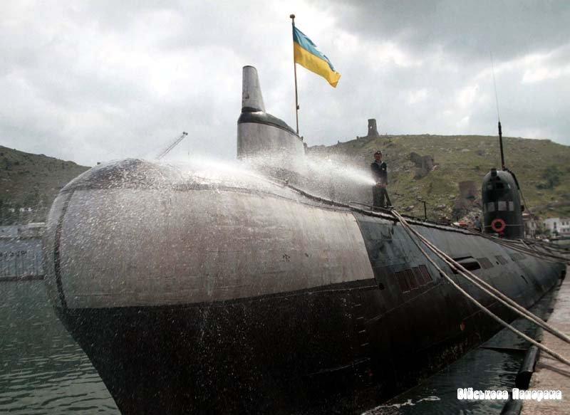 Український підводний човен успішно пройшов випробування і повернувся в порт