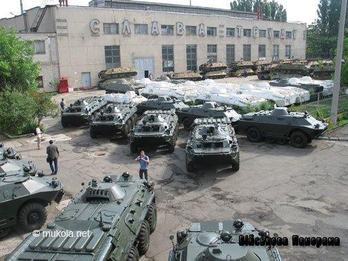 Миколаївський ремонтно-механічний завод передав Міноборони шість відремонтованих БТРів