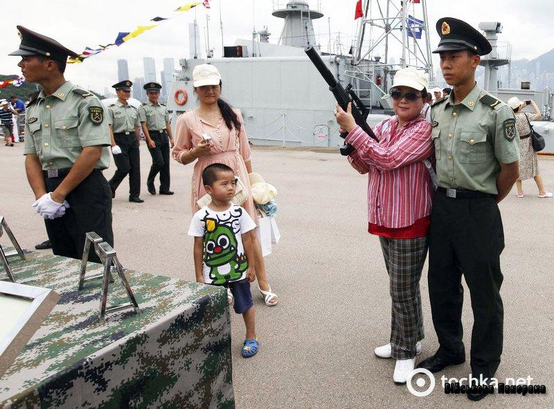 Армія Китаю влаштувала для публіки шоу (фото)