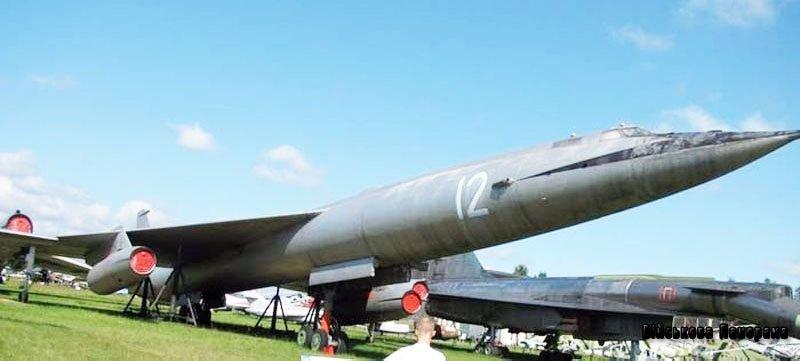 Стратегічний надзвуковий бомбардувальник М-50 (СРСР)