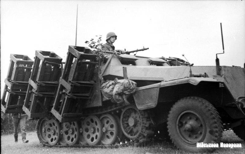 Німецька важка самохідна РСЗВ часів Другої світової війни «Wurfrahmen 40»