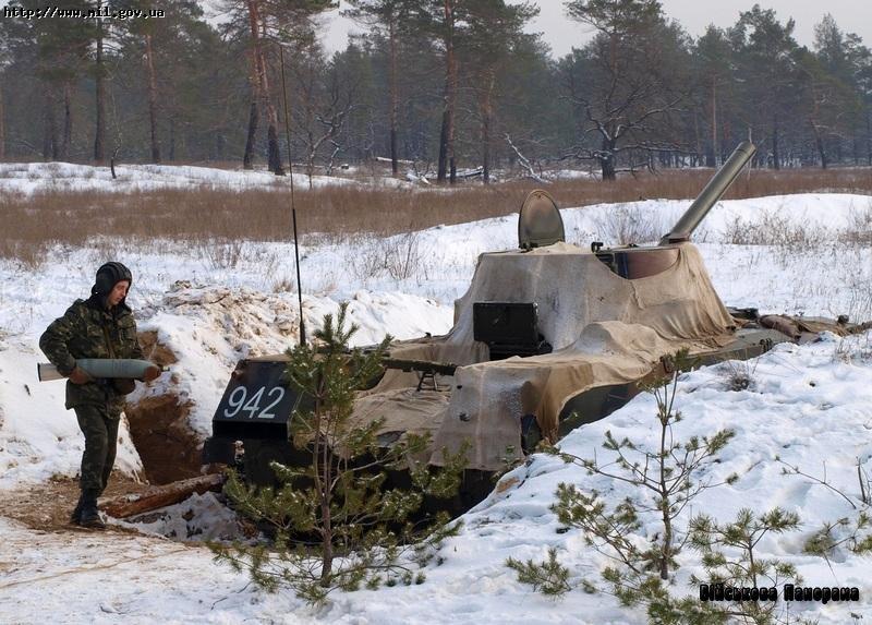 """Вперше за роки незалежності артилеристи-десантники виконали практичні стрільби з самохідно-артилерійської гармати 2С9 """"Нона"""" активно-реактивним снарядом"""