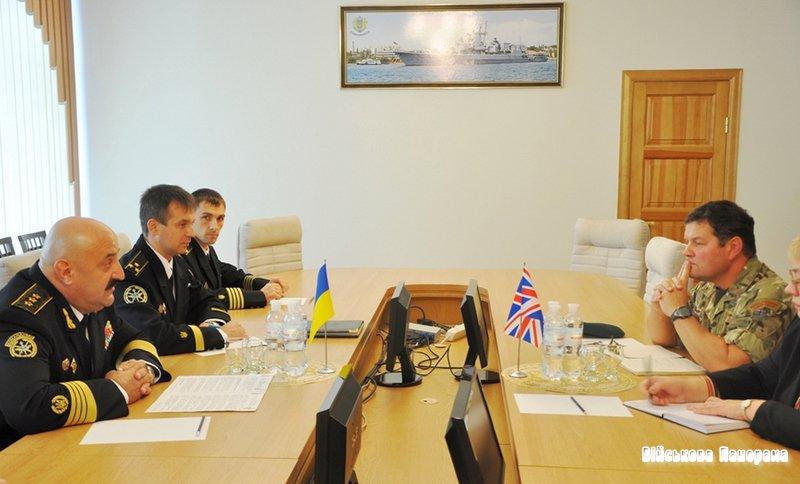 Стан та перспективи подальшого співробітництва між флотами України та Великої Британії обговорено у Криму