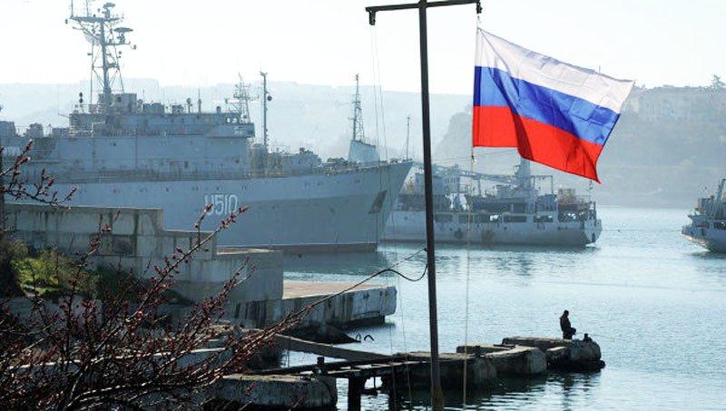 Основні кораблі ВМС України залишаються заблокованими у Криму, а військову техніку розкрадають — Міноборони