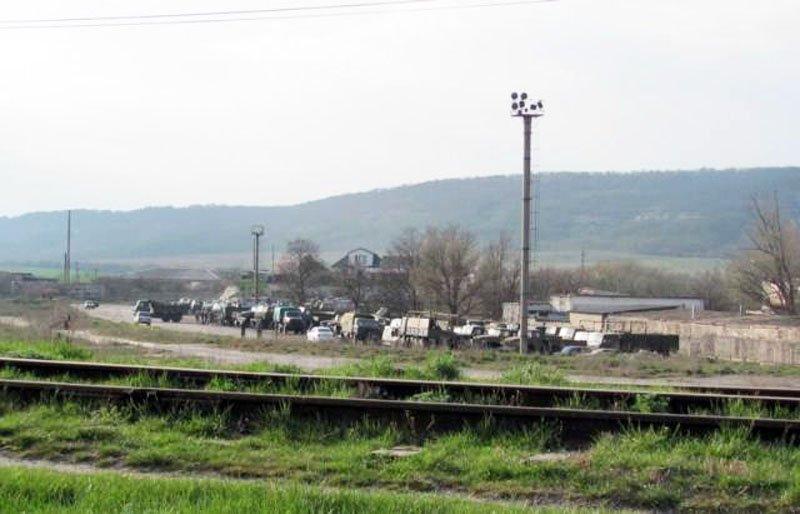 Міноборони звинувачує російських окупантів в розкраданні техніки в Криму
