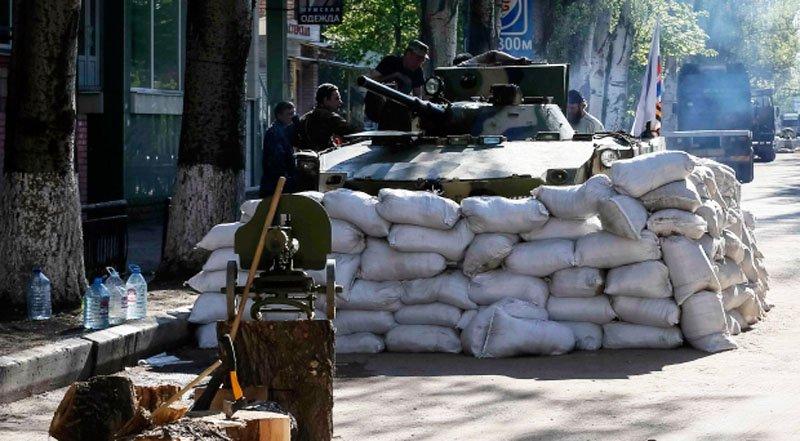 Сепаратисти посилили блокпости гранатометами, — Тимчук