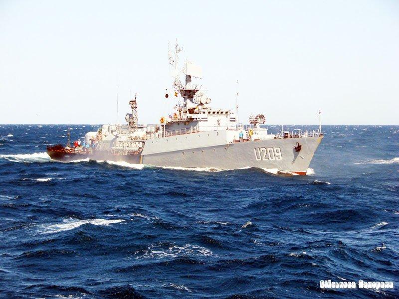 Із Севастополя до Одеси вийшли раніше заблоковані 4 судна українських ВМС