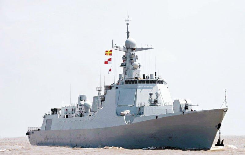 Контр-адмірал Інь Чжо про новий китайський есмінець проекту 052D
