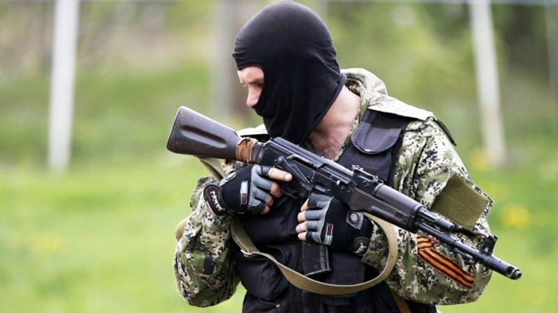 У зоні АТО блоковані бойовики з українською зброєю, раніше захопленою військовими РФ в Криму — Тимчук