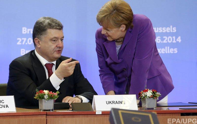 Порошенко, Меркель і Олланд обговорили ситуацію в Донбасі після підписання асоціації
