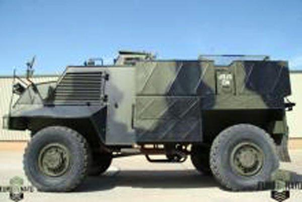 Україні готові недорого продати 50 британських бронеавтомобілів Saxon