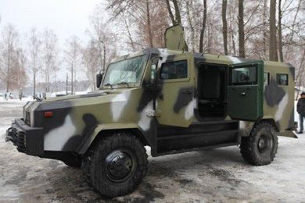 Аваков показав броньованих «Козаків» для Нацгвардії та ВСУ