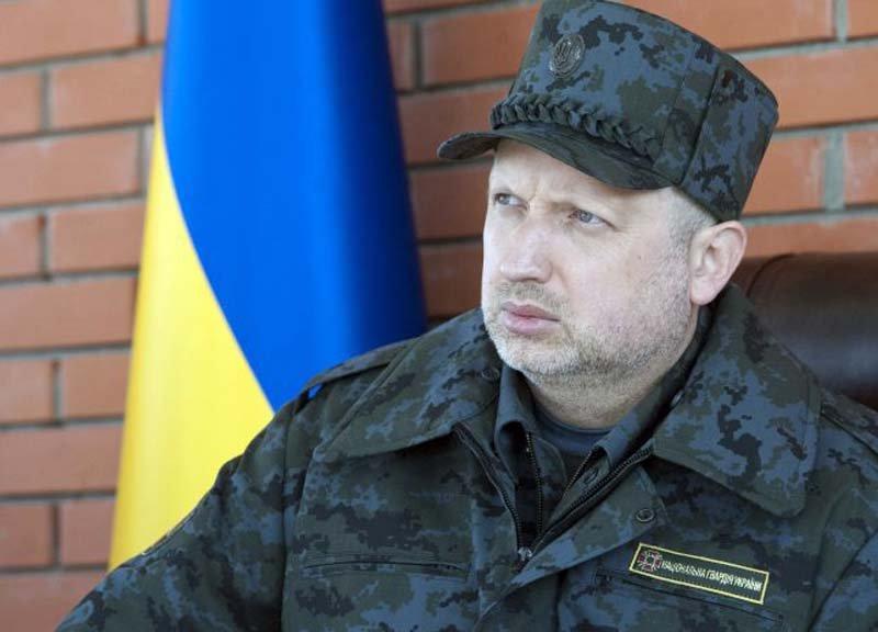 Турчинов: В Україні може бути введений військовий стан