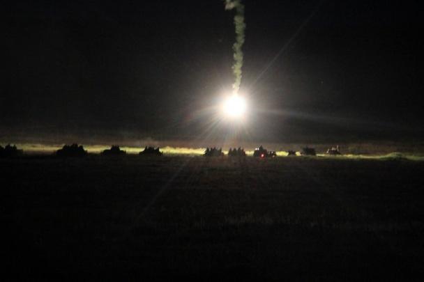 У Міноборони показали фото масштабних навчань з десантуванням і нічною стріляниною