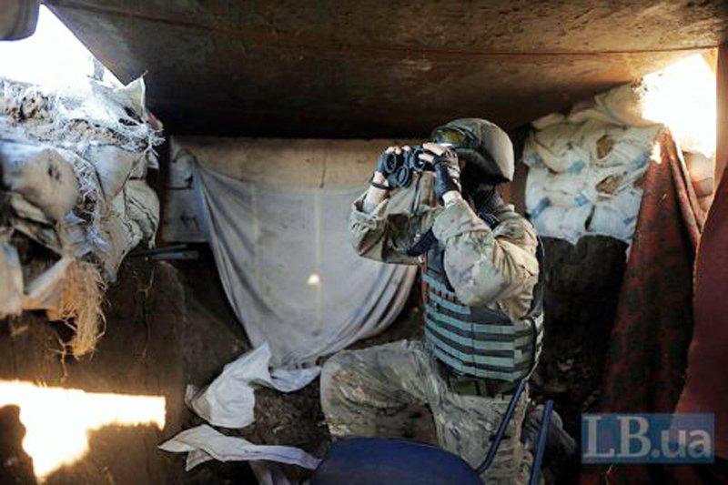 У Порошенка назвали кількість російських солдатів, які воюють на Донбасі