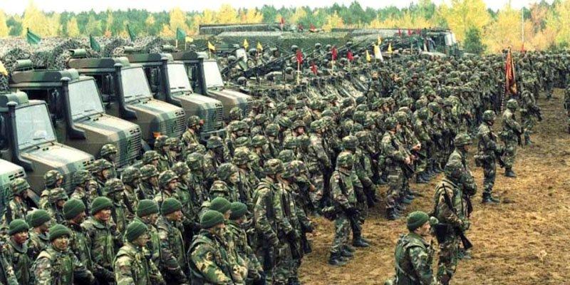 Литва повернула службу за призовом і закуповує нову бронетехніку