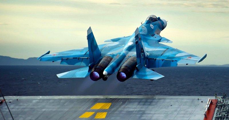 В окупований Крим прибули винищувачі і штурмовики Північного флоту РФ