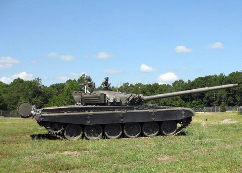 Американці перетворили старий танк Т-72 на безпілотну мішень