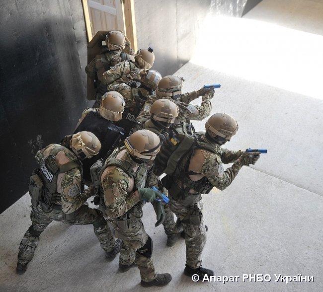 О. Турчинов: Озброєні злочинці повинні знати і розуміти: коли працює «КОРД» — у них два варіанти — здатись або загинути