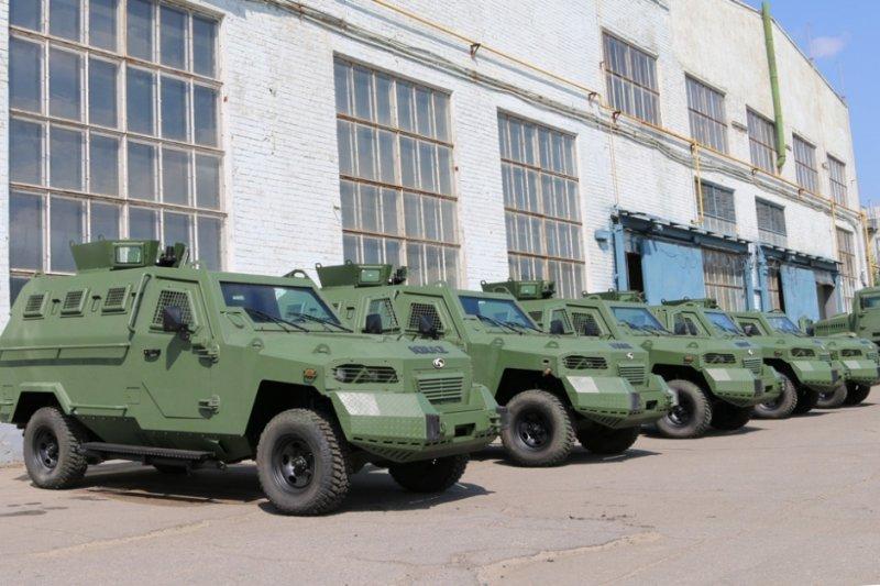 Партія легких бронеавтомобілів КрАЗ-Кугуар передана замовникові