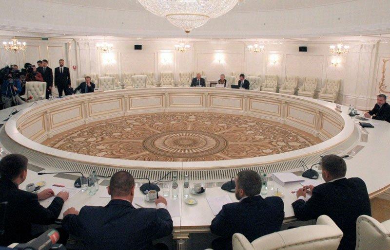 Путін заявив, що Україна втратила шанс реалізувати Мінські домовленості