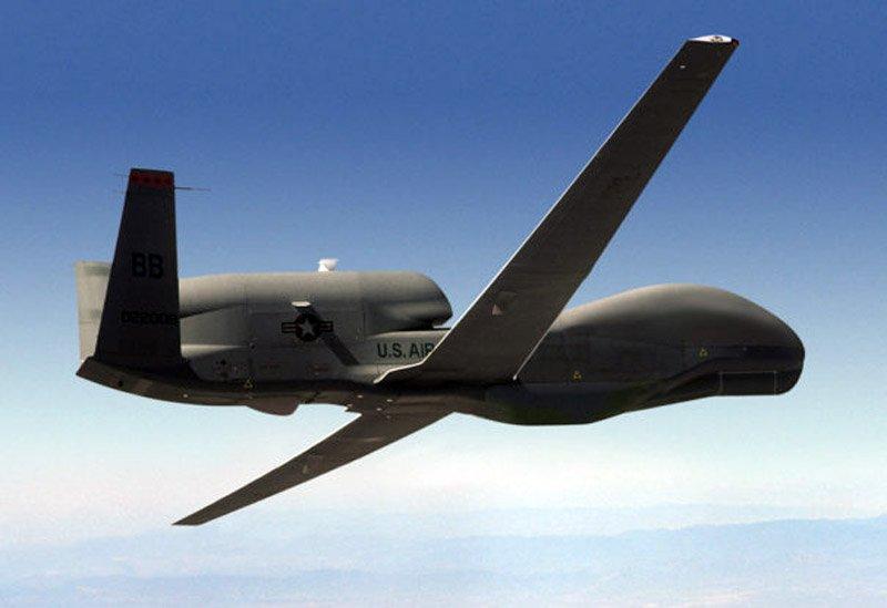 Подібне Обамі не до снаги: Global Hawk ВПС США провів розвідку на Донбасі