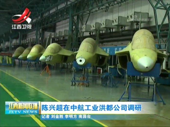 Китай нарощує темпи випуску новітніх літаків Hongdu L-15 з українськими двигунами