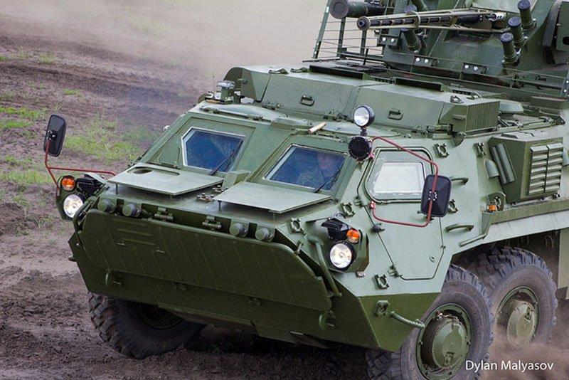 Український бронетранспортер БТР-4 — головний біль російських «оборонників»