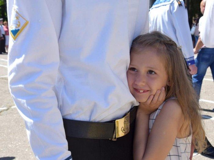 У Військово-морському ліцеї Одеси провели урочисту церемонію випуску