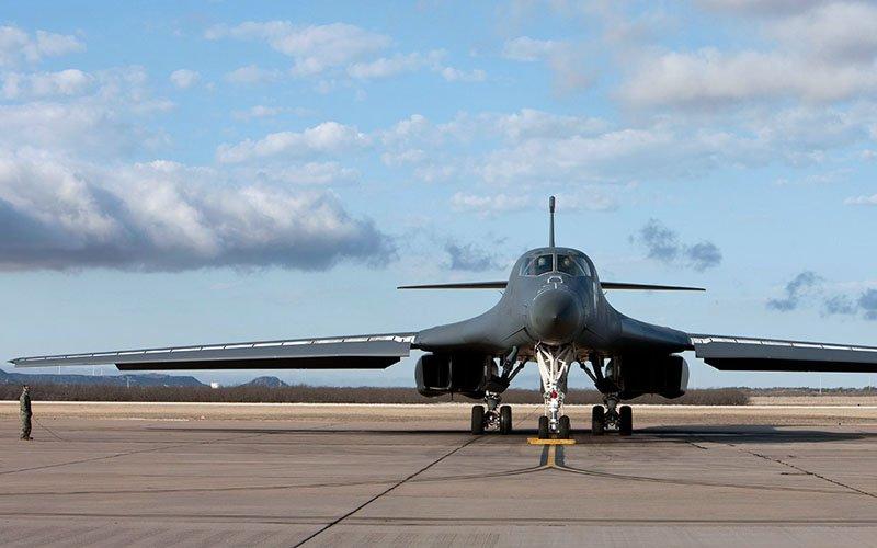 США направили два ядерних бомбардувальника B-1B Lancer до кордону КНДР