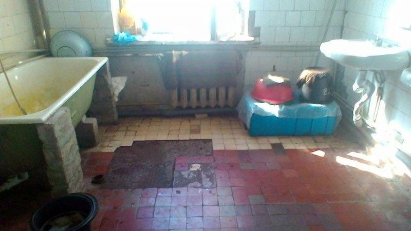 Кран над ліжком: Боєць показав нелюдський побут у військовому госпіталі