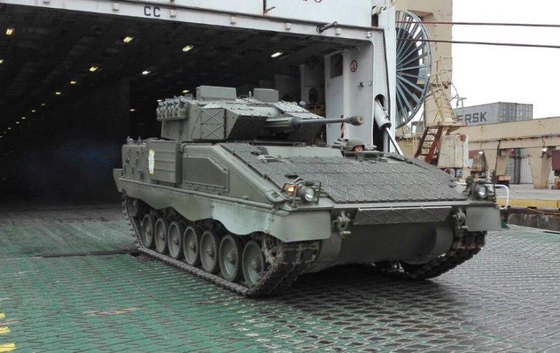 До Латвії прибули танки Leopard і БМП Pizarro з Іспанії