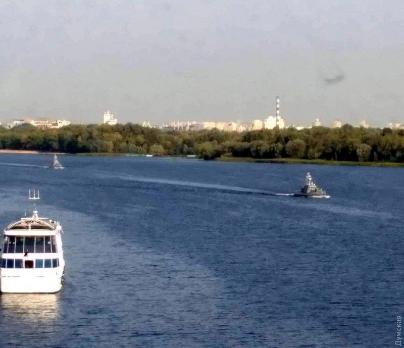 Ще дві «Гюрзи» для українських ВМС йдуть з Києва до Одеси